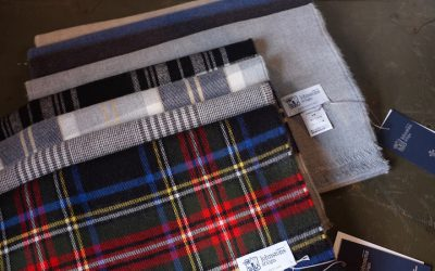 Johnstons of Elgin   Merino Wool Scarf & Merino×Cashmere Reversible Stall