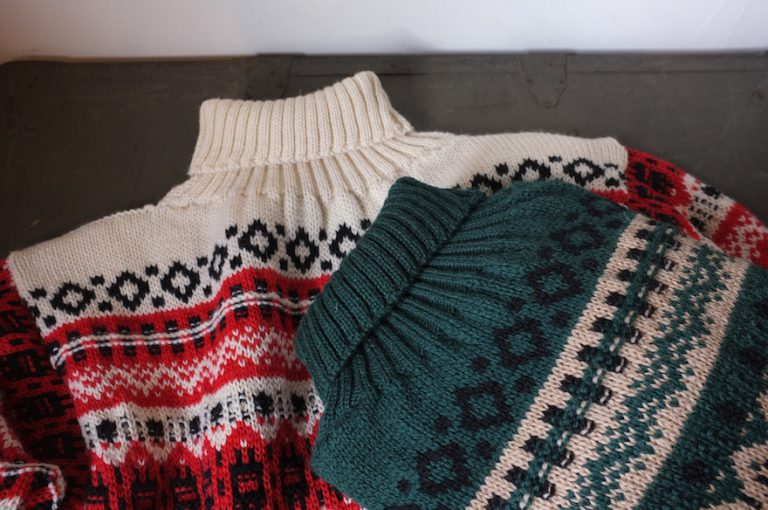 GUERNSEY WOOLLENS   POLO NECK SWEATER