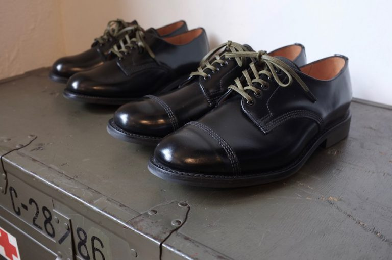 Sanders   Military Derby Shoe & Female Plain Toe